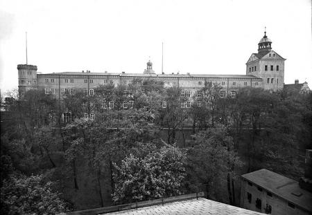 Zamek  Widok od północy, fot. ok. 1930  MNS/A.Foto/4981