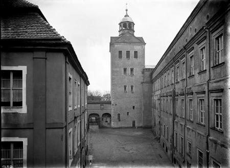 Zamek – dziedziniec menniczy  Widok w kierunku północnym MNS/A.Foto/4986
