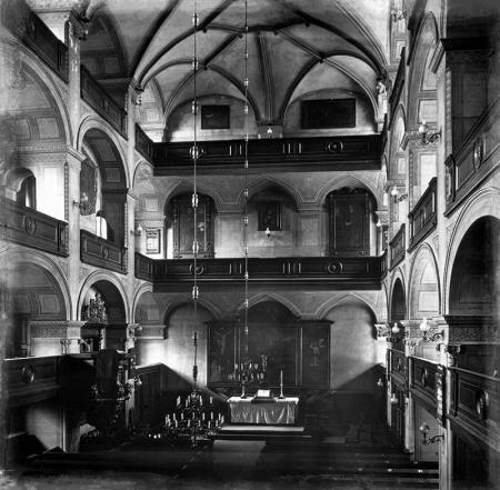 Kościół zamkowy – wnętrze  Widok w kierunku wschodnim, przed konserwacją w 1909 roku MNS/A.Foto/5525
