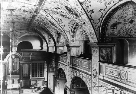 Kościół zamkowy – wnętrze  Strona południowo-zachodnia, organy i sklepienie fot.  sygn. W. Steinl, 1909 MNS/A.Foto/14525