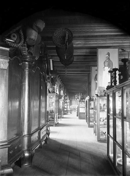Zamek – zbiory muzealne w refektarzu  fot. koniec XIX wieku  MNS/A.Foto/13594