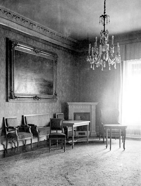 Zamek – wnętrza reprezentacyjne w skrzydle północnym i wschodnim  fot. sygn. H. Blum, 1929  MNS/A.Foto/15429
